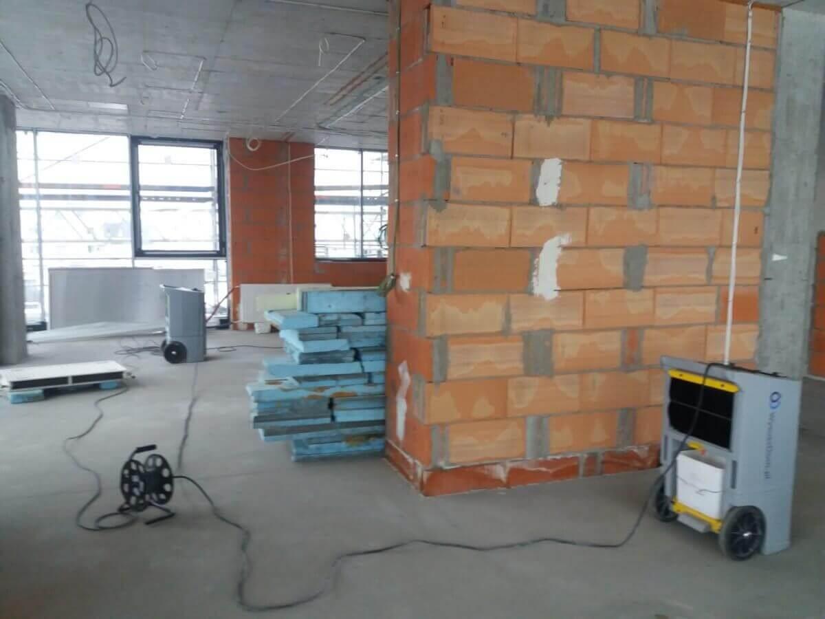 Osuszanie murów z firmą Wysusz Dom - sprawnie i dokładnie