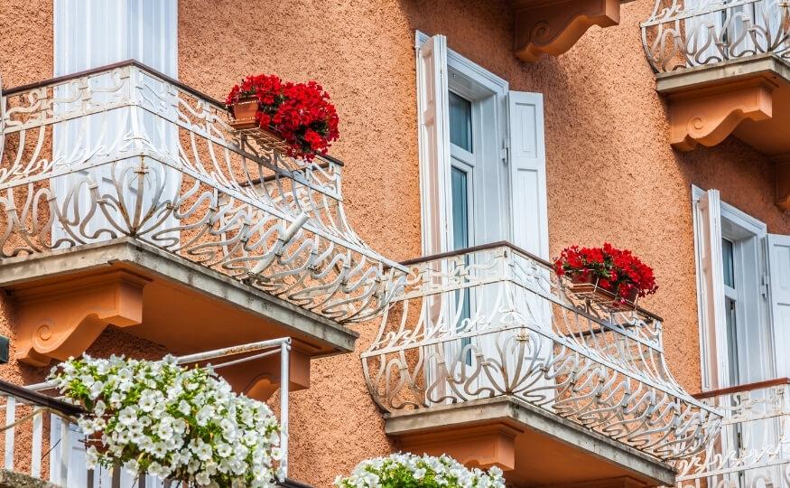 Firma Wysusz Dom - osuszanie przeciekających balkonów i tarasów