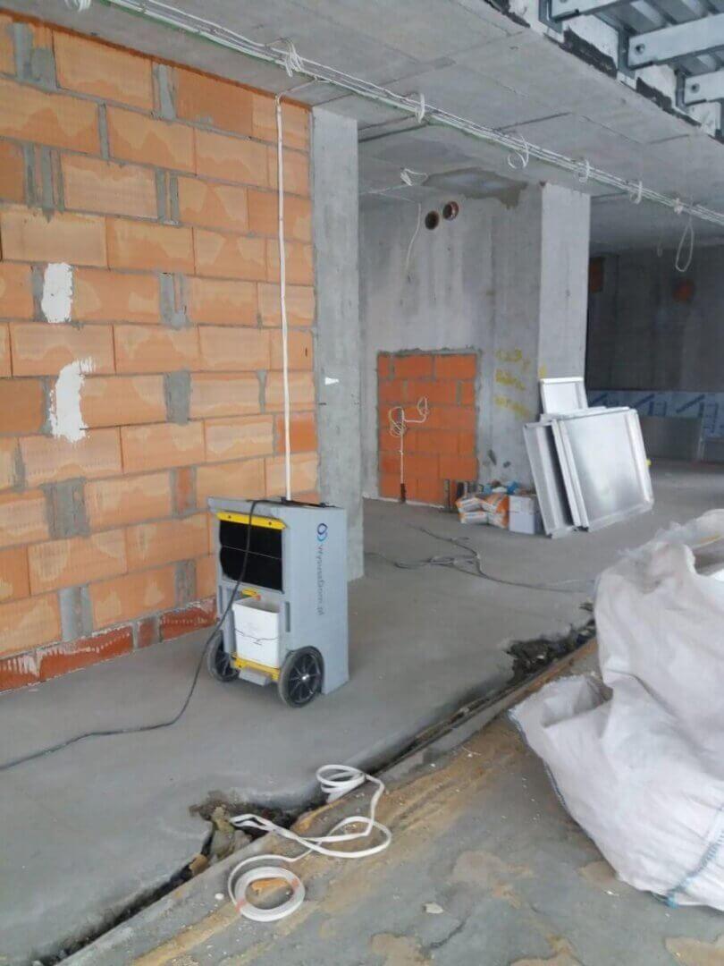 Osuszanie garażu - wilgoć w garażu - Wysusz Dom