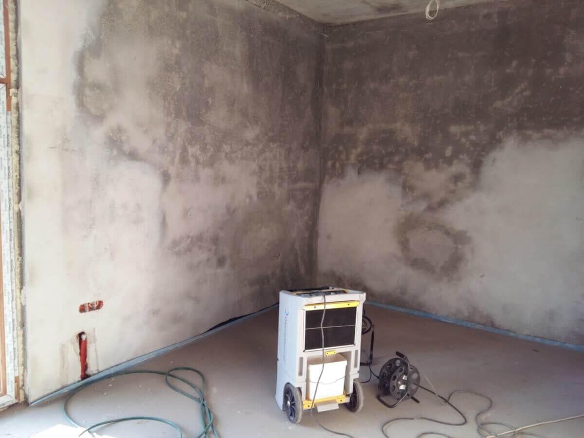 Wysusz Dom - osuszanie zalanych garaży